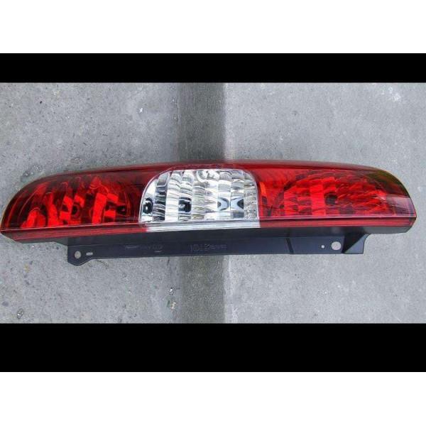 LAMPA FIAT DOBLO 06-10 L/P